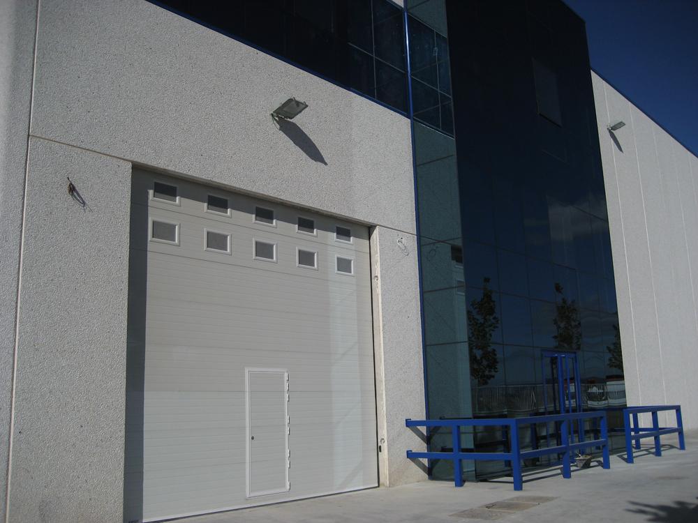 Marcado ce puertas industriales for Puertas industriales